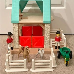 Little Tikes Dollhouse Stable